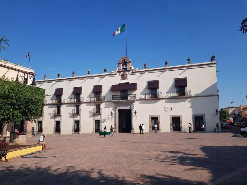 The Casa del Corregimiento in the Plaza de Armas image. Click for full size.