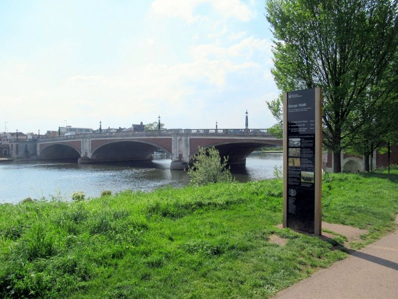 Barge Walk Marker, the River Thames and Hampton Court Bridge image. Click for full size.