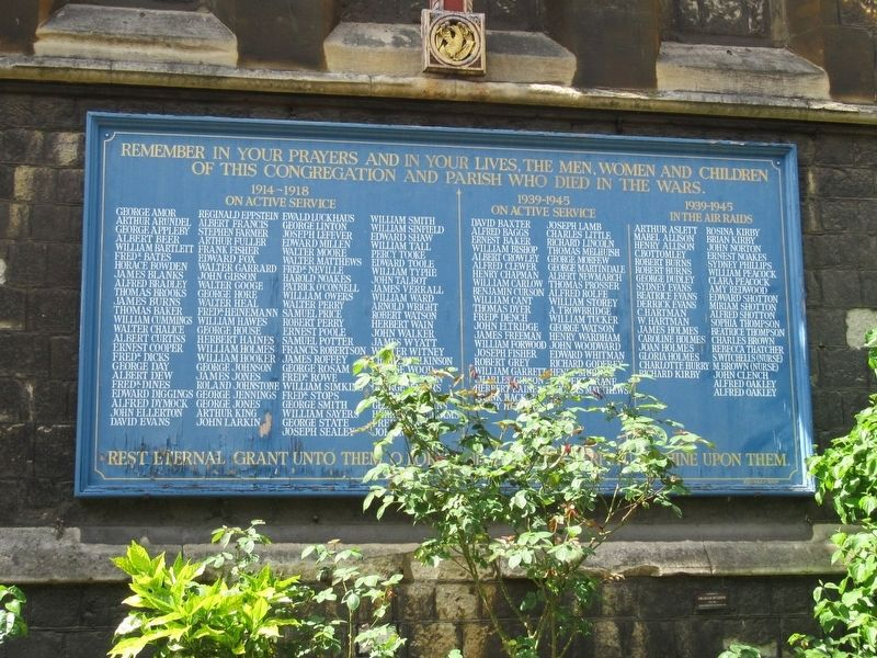 Holy Trinity Hoxton War Memorial image. Click for full size.