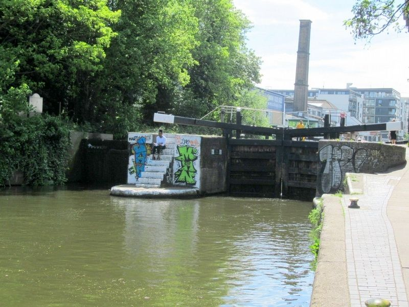 City Road Lock, Regent's Canal, Lock 5 image. Click for full size.
