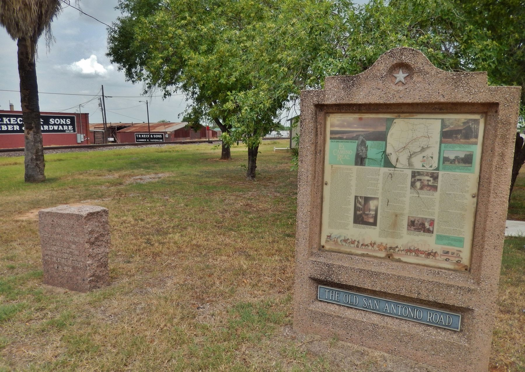 The Old San Antonio Road Marker (<i>wide view; related marker visible on left</i>) image. Click for full size.