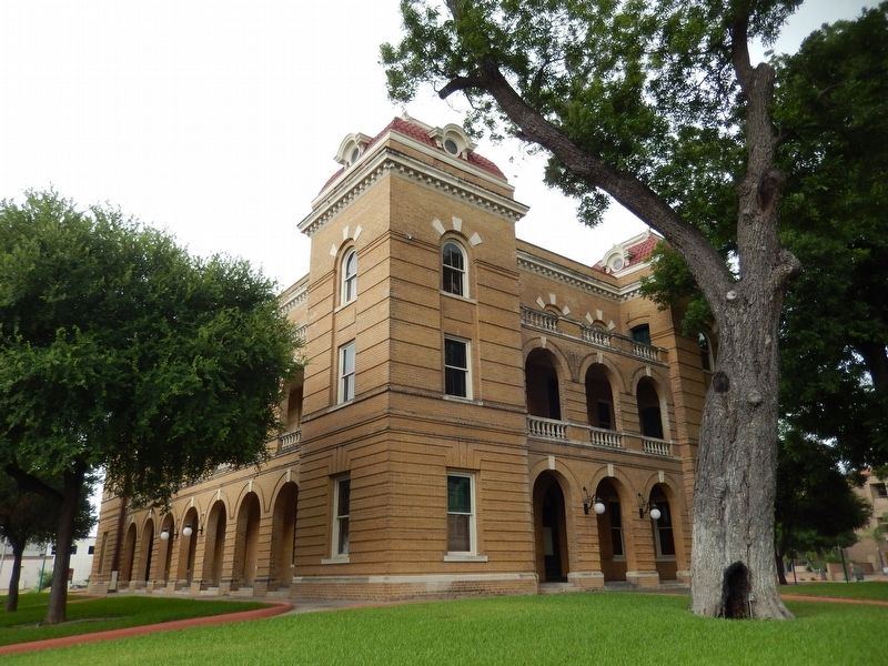 Webb County Courthouse (<i>northeast corner view</i>) image. Click for full size.
