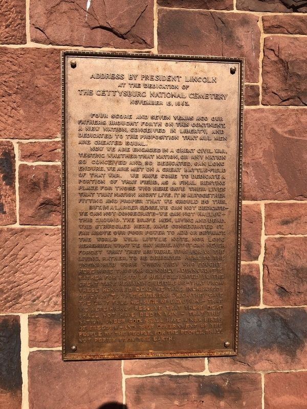Plaque showing the Gettysburg Address at the house on the cemetery grounds image. Click for full size.