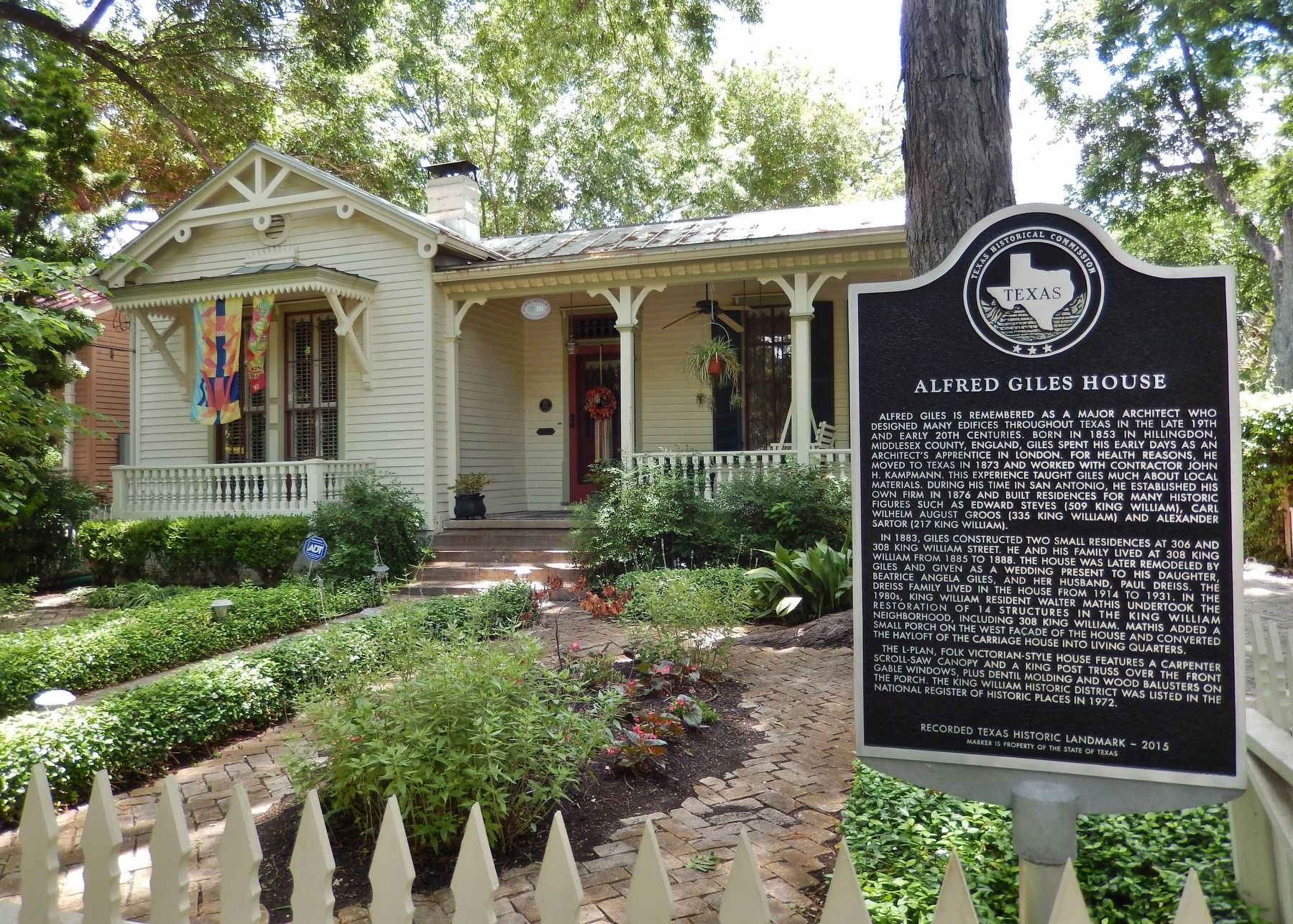 Alfred Giles House Marker (<i>wide view</i>) image. Click for full size.