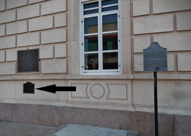 U.S. Federal Building Marker (<i>wide view; this marker on left; related marker on right</i>) image. Click for full size.