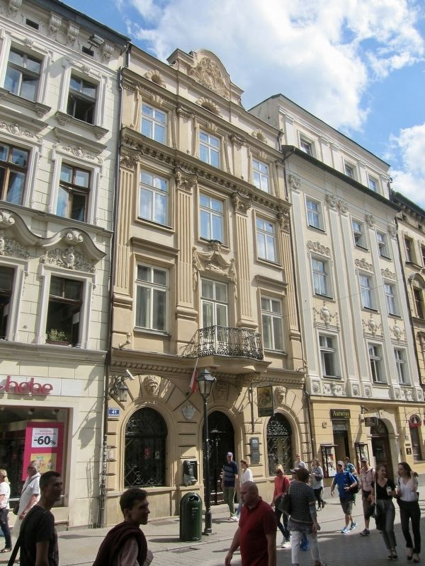 Dom Jana Matejki / House of Jan Matejko and Marker - Wide View image. Click for full size.