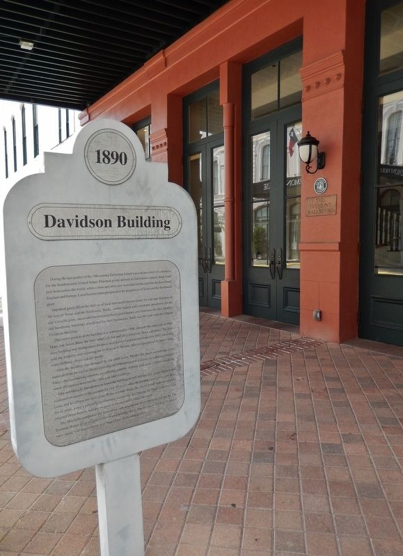 Davidson Building Marker (<i>tall view</i>) image. Click for full size.