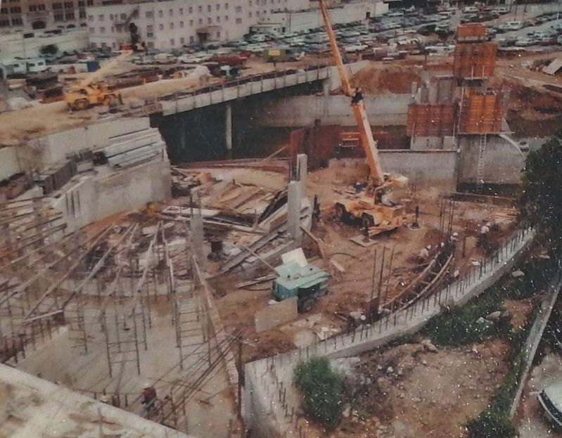 Marker detail: circular-shaped marina structure beneath Nueva Street; construction photo 1985 image. Click for full size.