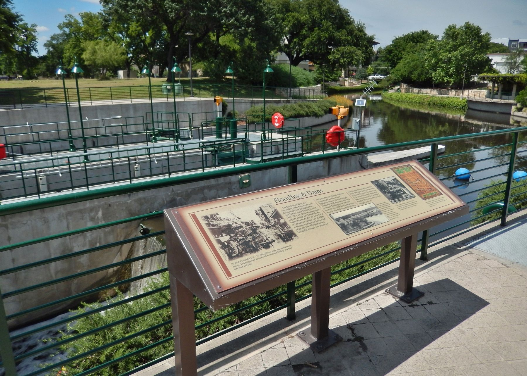 Flooding & Dams Marker (<i>wide view; Brooklyn Avenue Lock & San Antonio River in background</i>) image. Click for full size.