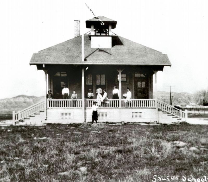 Saugus School, 1910 image. Click for full size.
