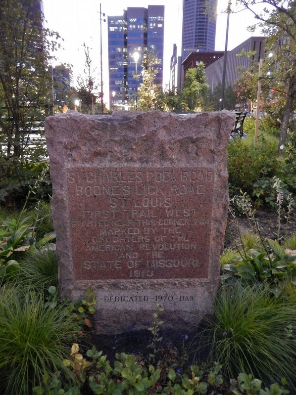 St. Charles Rock Road Marker (<i>tall view</i>) image. Click for full size.