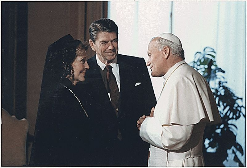<i>The Reagans meeting with Pope John Paul II, The Vatican, Rome</i> image. Click for full size.