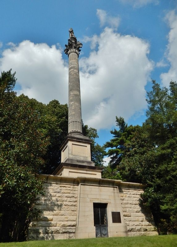 Henry Clay Mausoleum & Monument (<i>tall view</i>) image. Click for full size.
