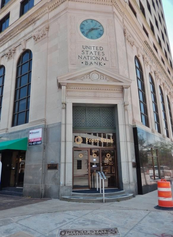 United States National Bank Building Main Entrance (<i>Kempner Street at Market Street</i>) image. Click for full size.