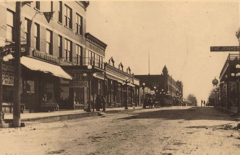 Marker detail: Center Street looking south from Quaker Street c. 1915 image. Click for full size.