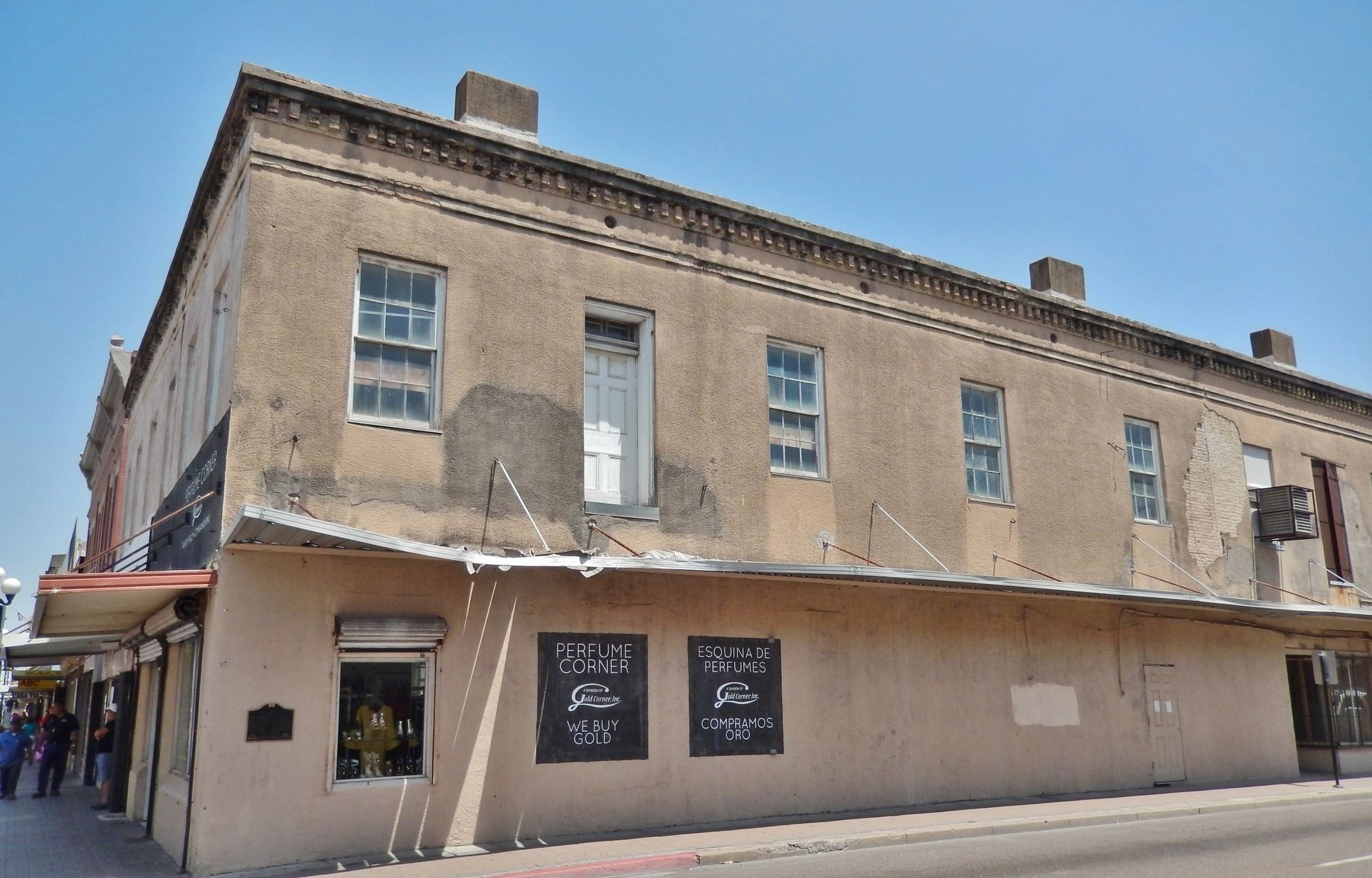 Celaya Building (<i>East 12th Street side view; marker visible near left edge of building</i>) image. Click for full size.
