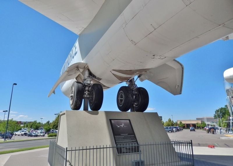 Boeing RB-52B Stratofortress Marker (<i>wide view; marker is mounted on aircraft support base</i>) image. Click for full size.