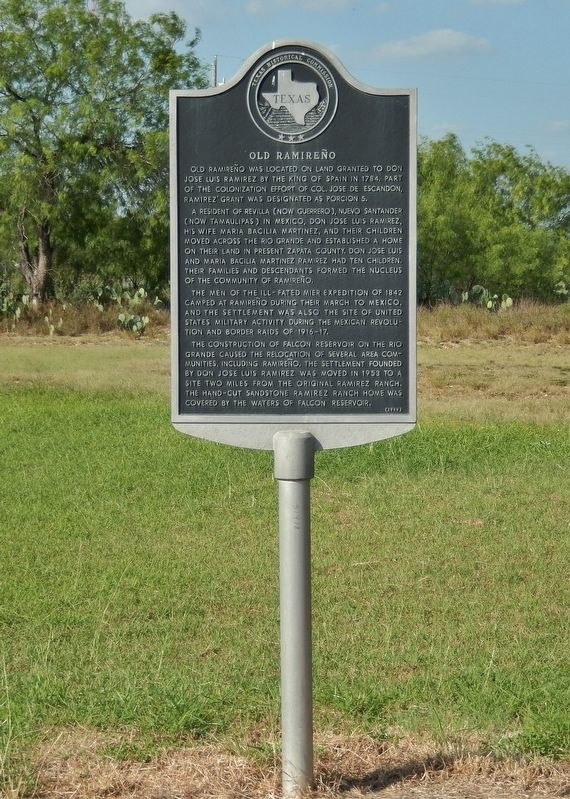 Old Ramireño Marker (<i>tall view</i>) image. Click for full size.
