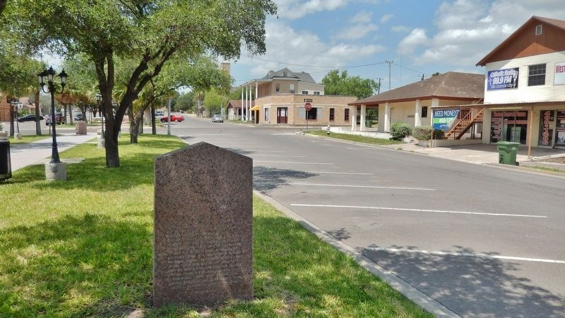 Rio Grande City, C.S.A Marker (<i>side one; wide view</i>) image. Click for full size.
