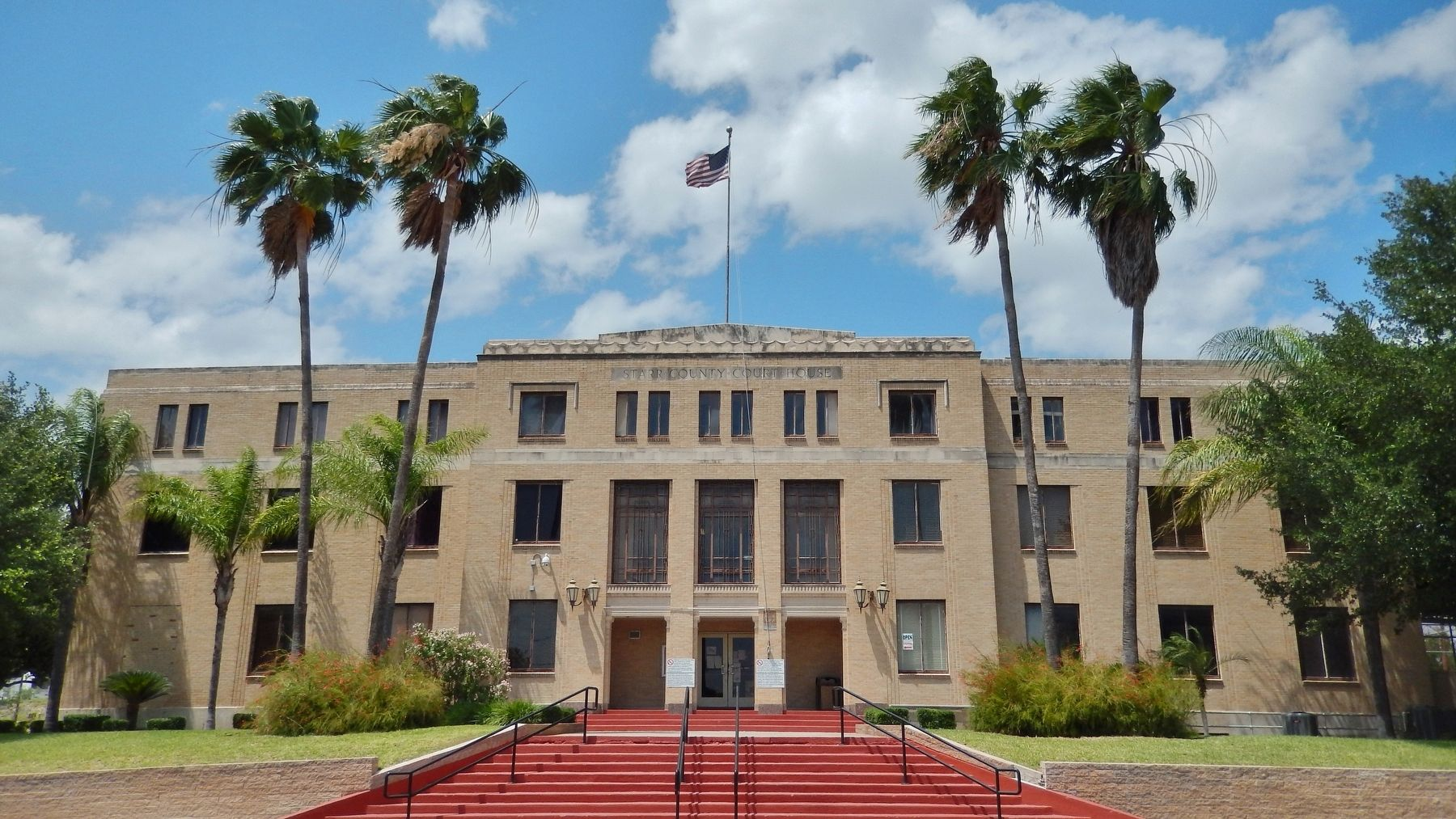 Starr County Courthouse (<i>near marker; at north end of plaza</i>) image. Click for full size.