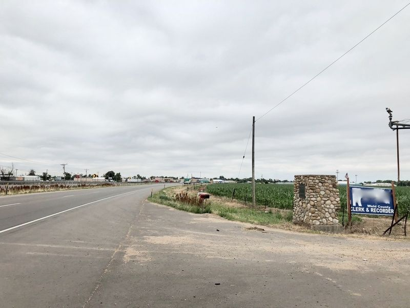 Fort Lupton Marker looking south on U.S. Highway 85, the CanAm Highway. image. Click for full size.