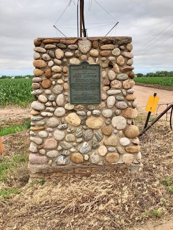 Fort Lupton Marker looking west. image. Click for full size.