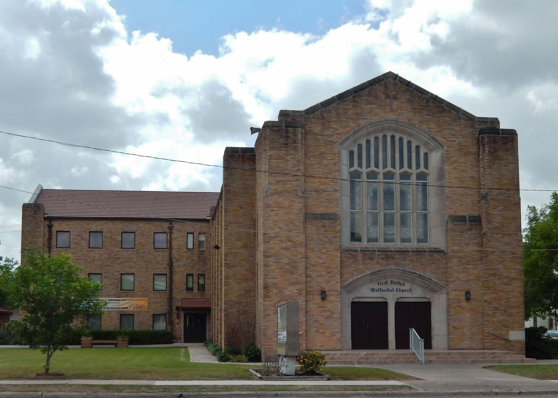 First Methodist Church of San Benito image. Click for full size.