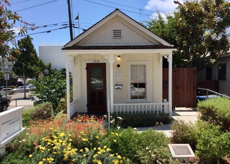 Shotgun House and Marker image. Click for full size.