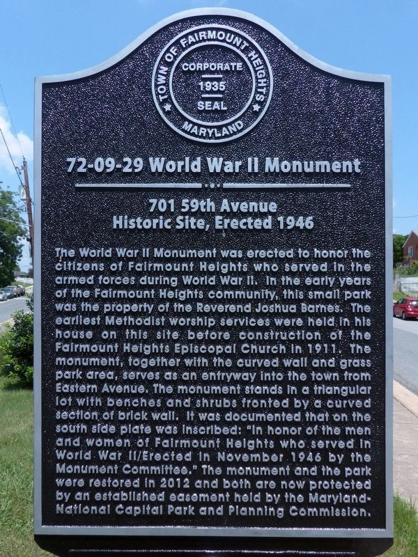 72-09-29 World War II Monument Marker image. Click for full size.