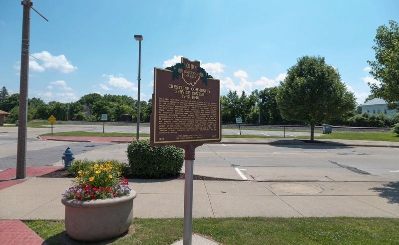 Marker with Railroad Tracks in the Distance image. Click for full size.