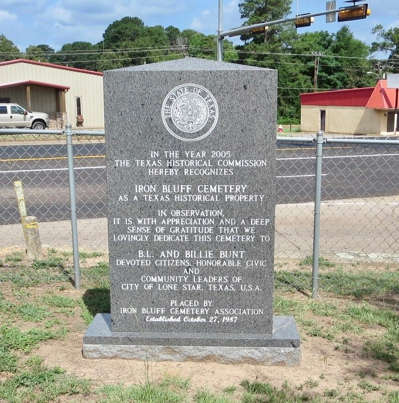 Another nearby marker noting historic significance of cemetery. image. Click for full size.