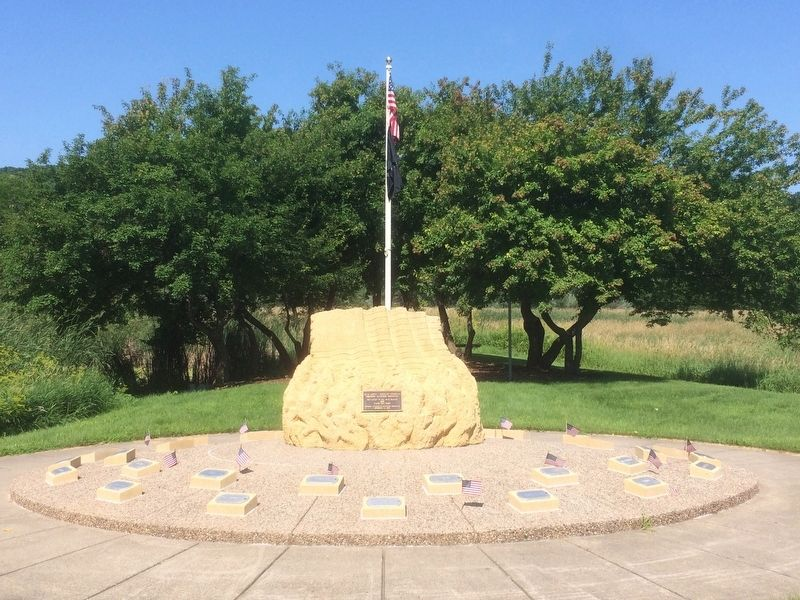 Blue Earth - Nicollet Counties Vietnam Veterans Memorial image. Click for full size.