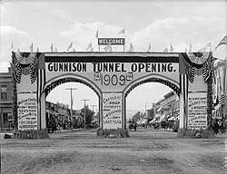 The Gunnison Tunnel Welcome Arch image. Click for full size.
