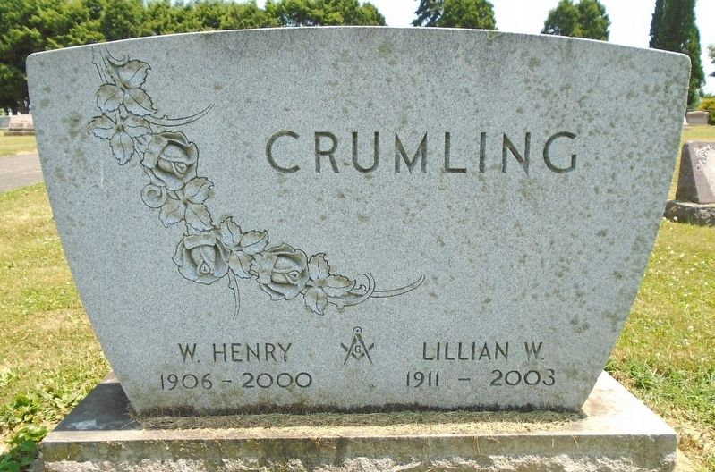 W. Henry Crumling Grave Marker image. Click for full size.