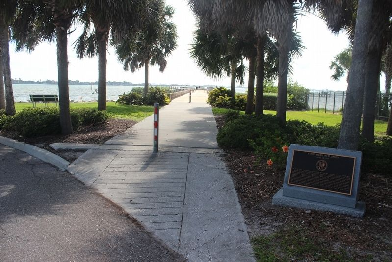 First Mass in Florida Marker and entrance to pier. image. Click for full size.