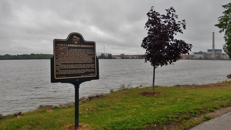 Curly Lambeau&#39;s Gravesite Marker (<i>wide view; Fox River & Georgia-Pacific plant in background</i>) image. Click for full size.