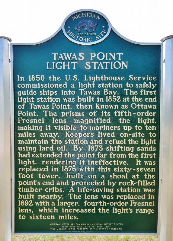 Tawas Point Light Station Marker (<i>side 1</i>) image. Click for full size.