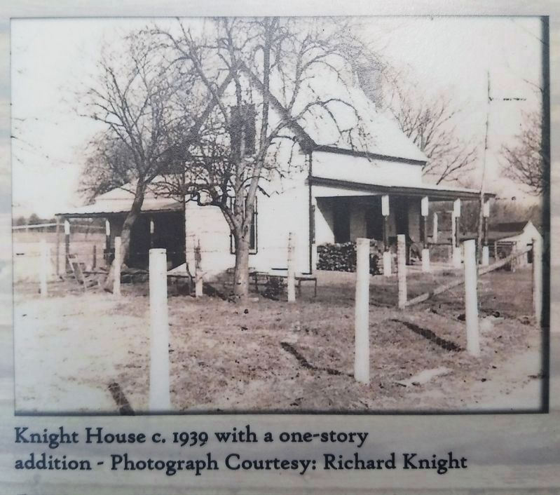 Close up of the Knight House Marker image. Click for full size.
