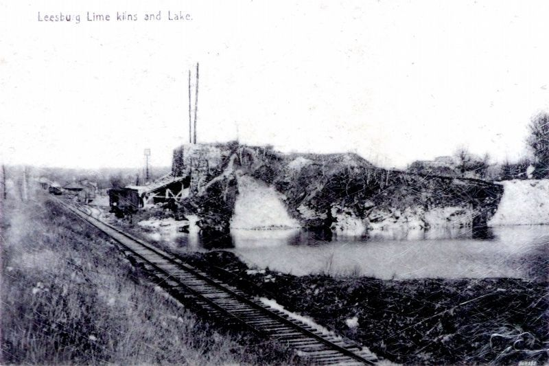Leesburg Lime Kilns and Lake image. Click for full size.