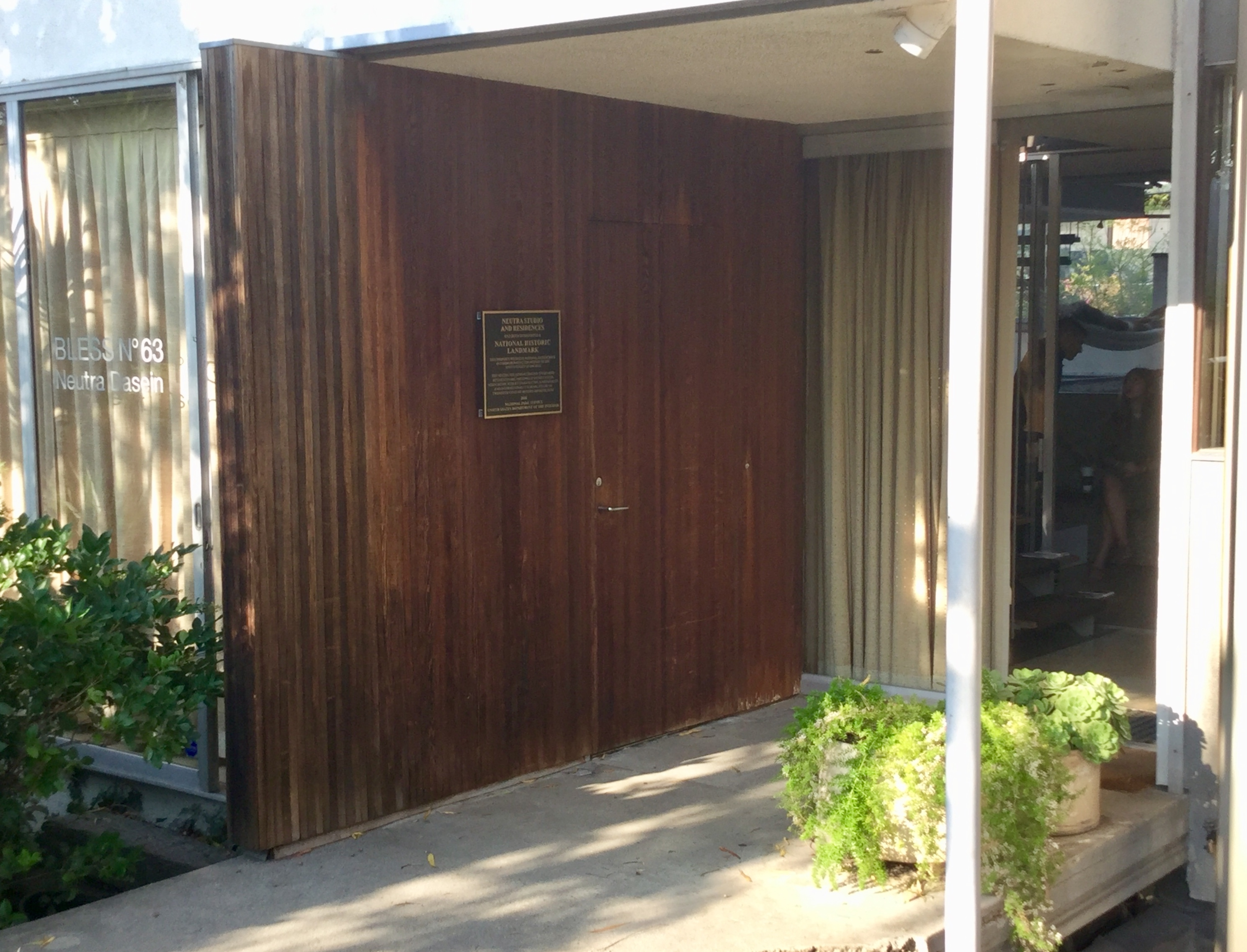 Neutra Studio and Residences Marker