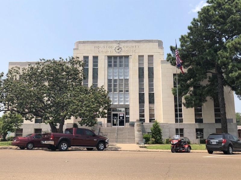 Houston County Courthouse image. Click for full size.