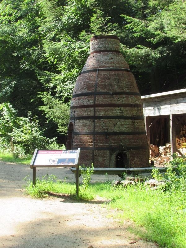 Brooks Pottery Kiln with Marker image. Click for full size.