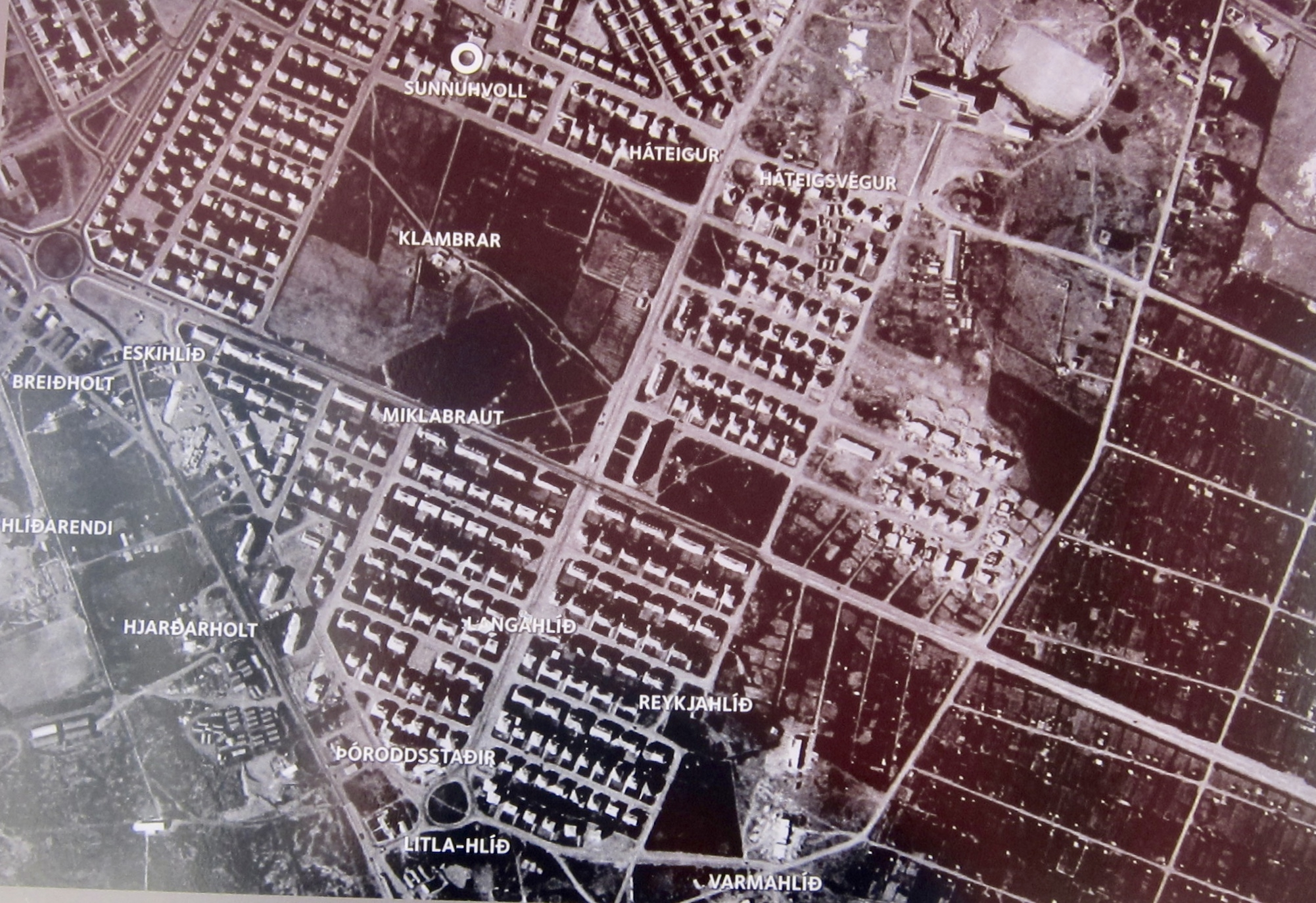 Marker detail: Aerial overview of farmsteads