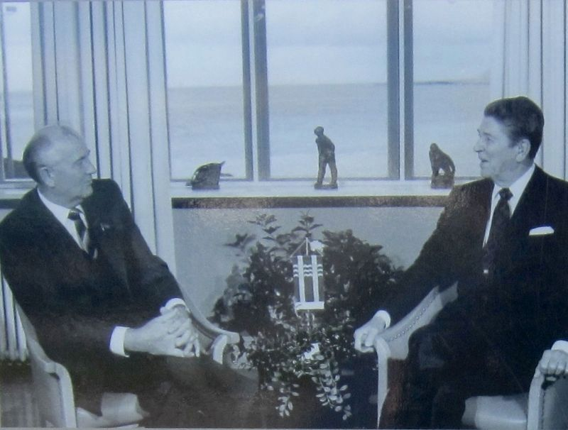 Marker detail: <i>Mikhail Gorbachev and Ronald Reagan at the Reykjavik summit in 1986</i> image. Click for full size.