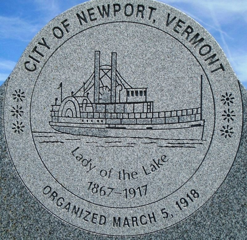 <i>Lady of the Lake</i> Steamboat Centerpiece on City of Newport Seal image. Click for full size.