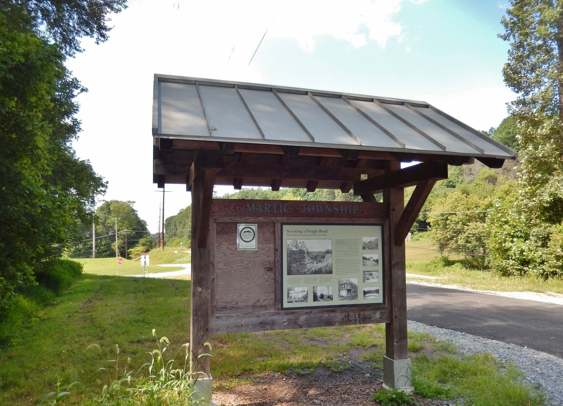 Servicing a Freight Road Marker & Kiosk (<i>wide view looking west; Marticville Road behind</i>) image. Click for full size.
