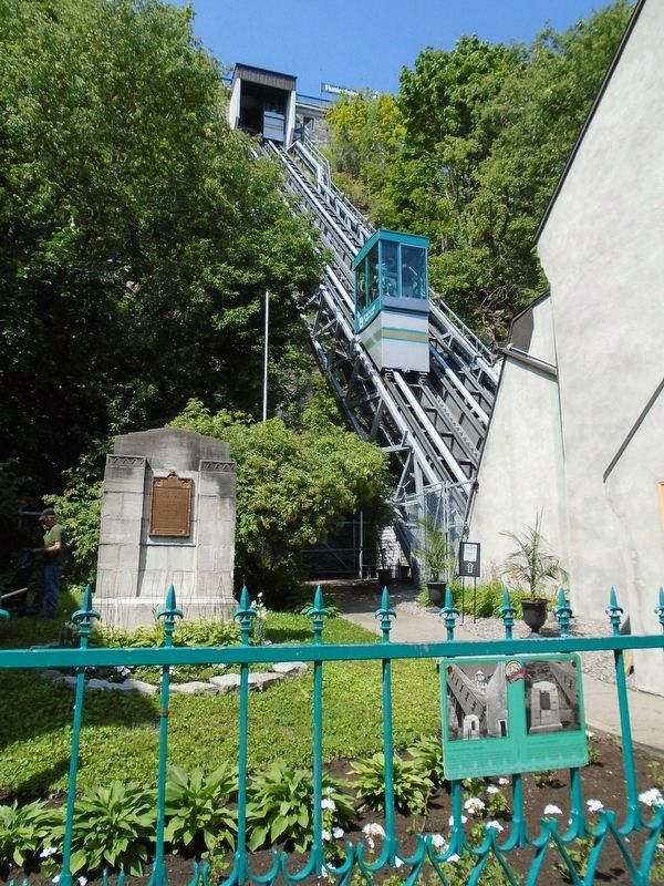Funiculaire / Funicular and Marker image. Click for full size.