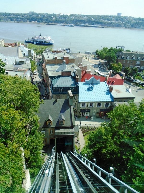 Funiculaire / Funicular View toward Lower Town and the St. Lawrence River image. Click for full size.
