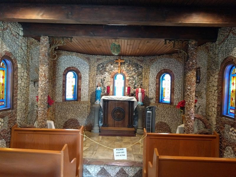 Inside of Kolping Chapel image. Click for full size.