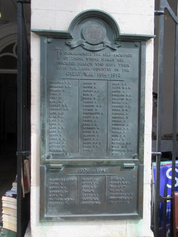 Blandford Forum War Memorial image. Click for full size.